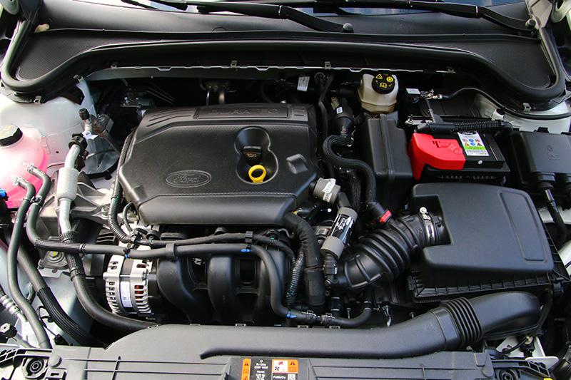 四門1.5L Ti-VCT美夢型與五門1.5L Ti-VCT成真型都是搭載1.5L Ti-VCT自然進氣三缸引擎,未配置渦輪增壓系統,可輸出123ps最大馬力與15.3kgm峰值扭力。