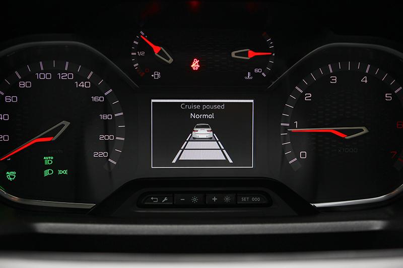 運作質感相當細膩的ACC主動式定速系統,在高規版本上為全速域作動。