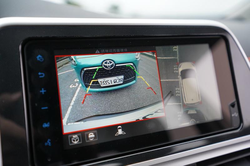 PKSB系統啟動時螢幕上也會同步顯示後方影像