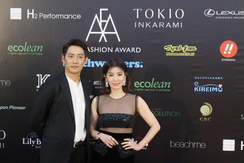 日本男星反町隆史(左)、台灣金鐘視后賈靜雯(右)