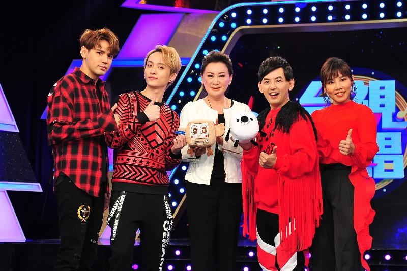 (左起)陳零九、邱鋒澤、陳亞蘭、黃子佼、李佳薇