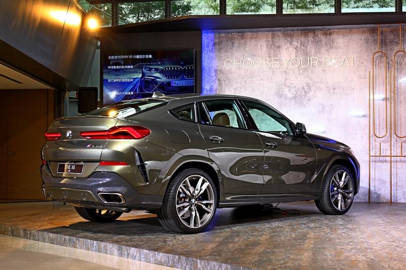 斜背設計讓X6擁有更鮮明的運動風格。
