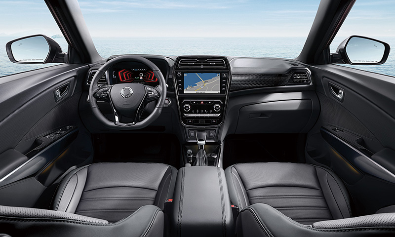 SsangYong Tivoli小改款新增駕駛座電動4向腰靠、8向調整功能,以及Apple CarPlay智慧型手機連結支援。