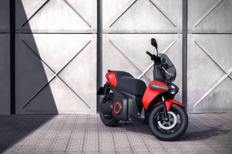 e-Scooter具有15hp馬力與115公里續航表現。