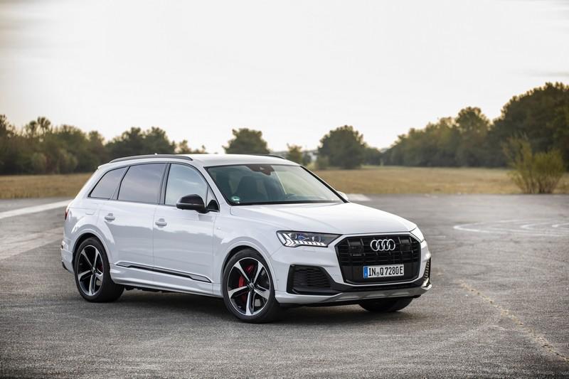 Audi針對電動家族新增55 TFSI e quattro與60 TFSI e quattro插電式油電車型。