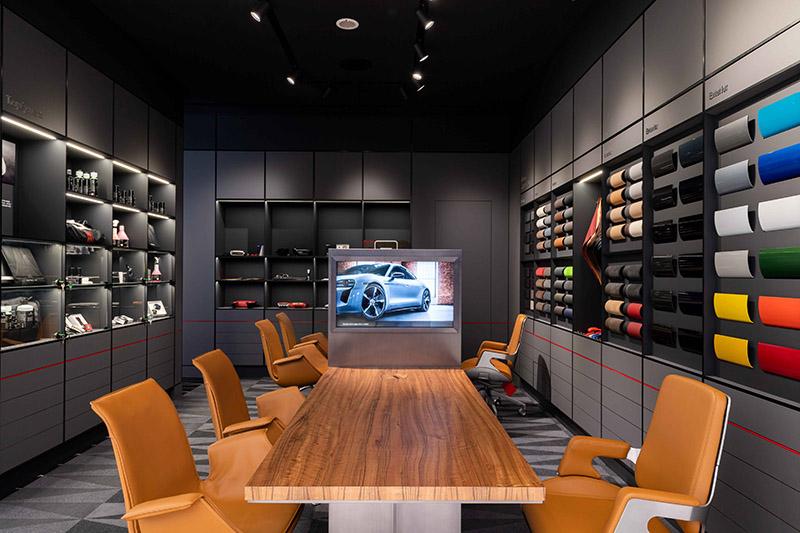 「Porsche Exclusive Manufaktur」提供高規格客製化選項。
