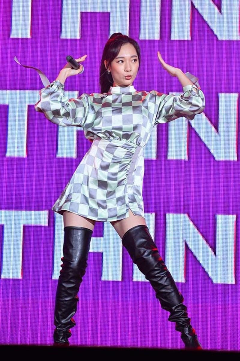 吳卓源給自己第一次的唱跳表演打75分