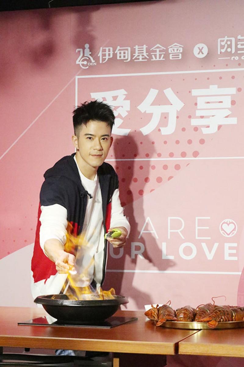 JR紀言愷《美味滿閣》劇中飾演廚師。