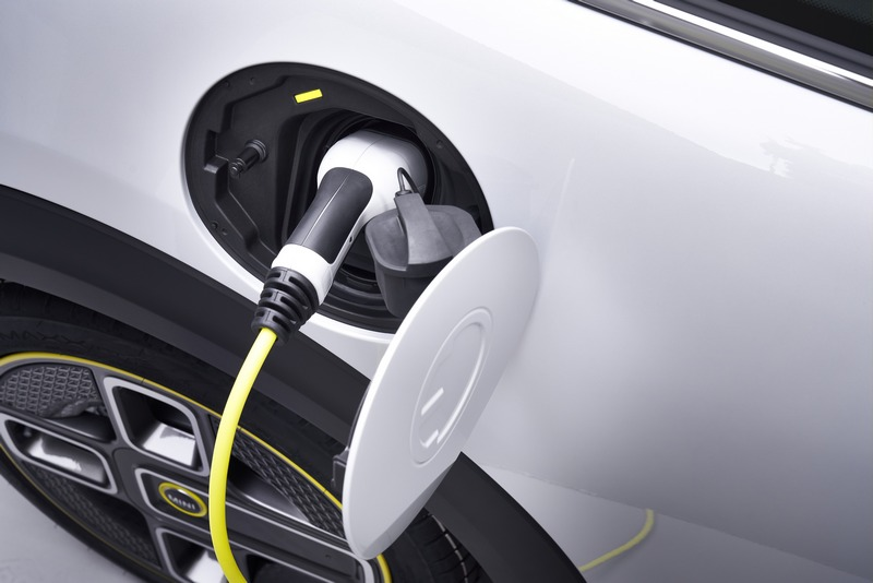 Mini表示性能不侷限於汽油引擎,只要能滿足性能所需的速度與感官條件就是好的動力系統。