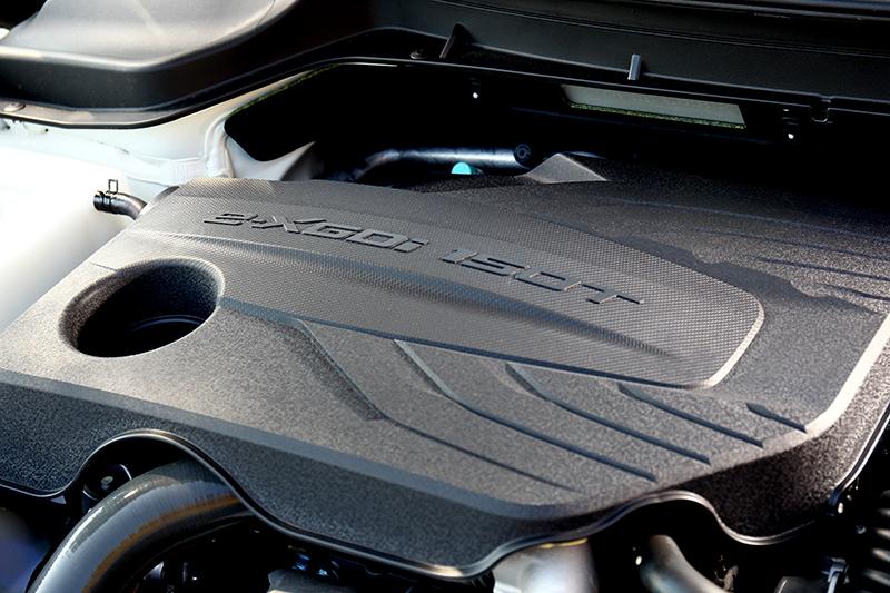 1.5升渦輪引擎有著163hp/26.5kgm輸出表現,加速表現比以往來得出色許多。