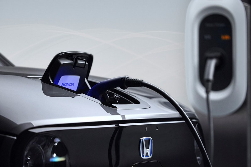 Honda 認為充電�備普及度影響電動車推廣。