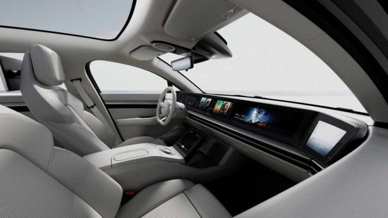 座艙擁有逼真的影像系統、絕佳的聆聽感受與通訊網路功能。