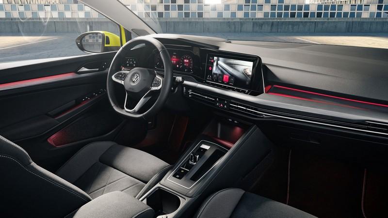 Golf GTI內裝會基於一般車型設計額外增添些許性能元素,座椅或許還會保有格紋配置。