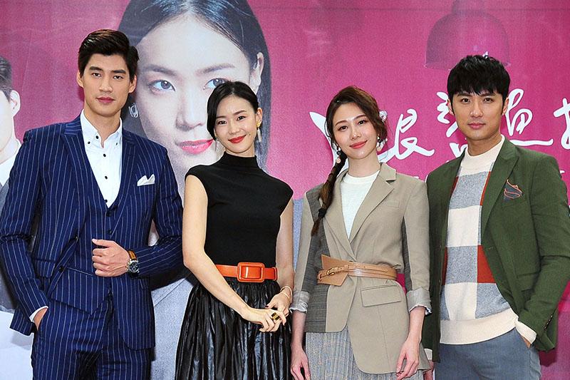 (左起)羅宏正、鍾瑤、張景嵐及李運慶