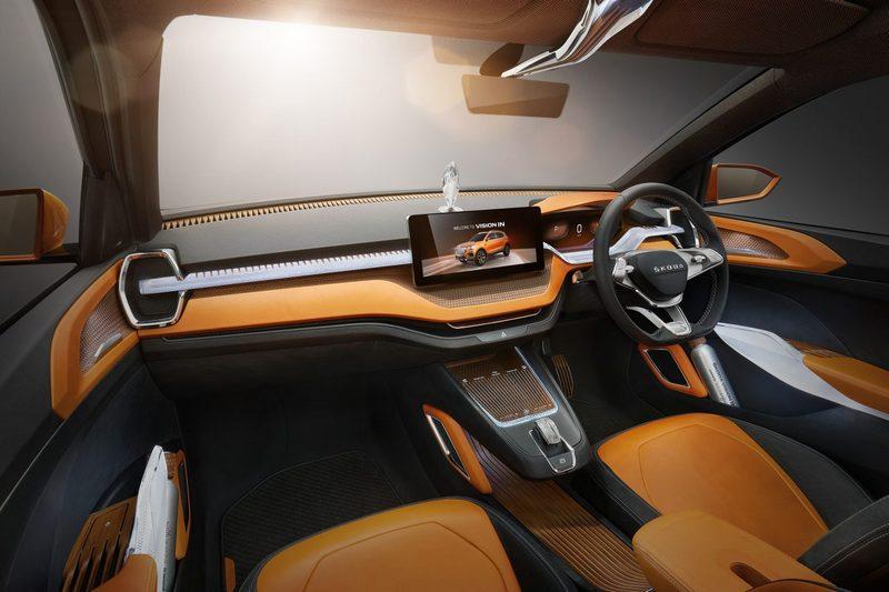 座艙仍維持先前草圖一樣,配置12.3吋中控螢幕與橘色皮質飾板。