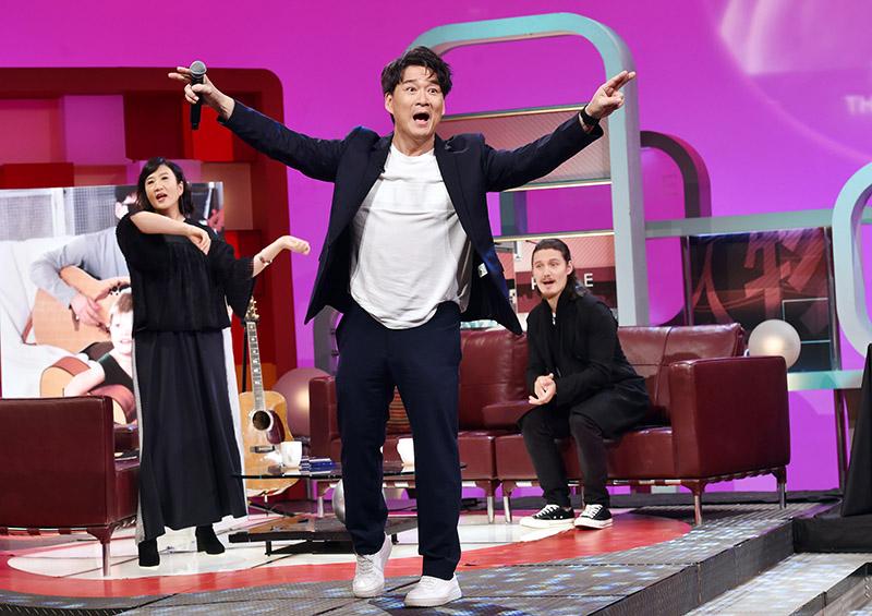 周華健帶來經典名曲《花心》。