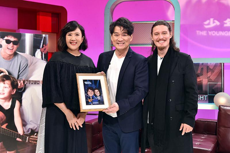 周華健父子上《TVBS看板人物》接受方念華專訪