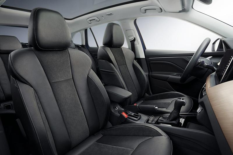 前座椅設計相當動感,替座艙帶來更豐富視覺觀感。