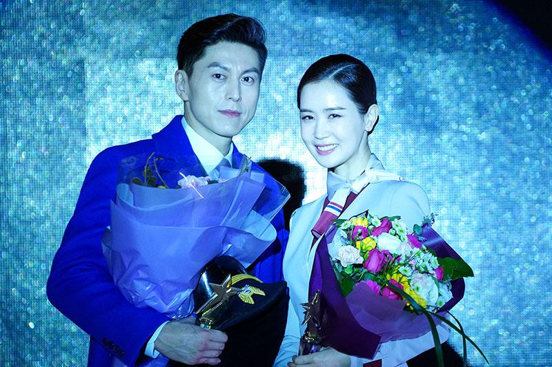 韓劇《善良魔女傳》由李多海(右)、柳秀榮(左)主演