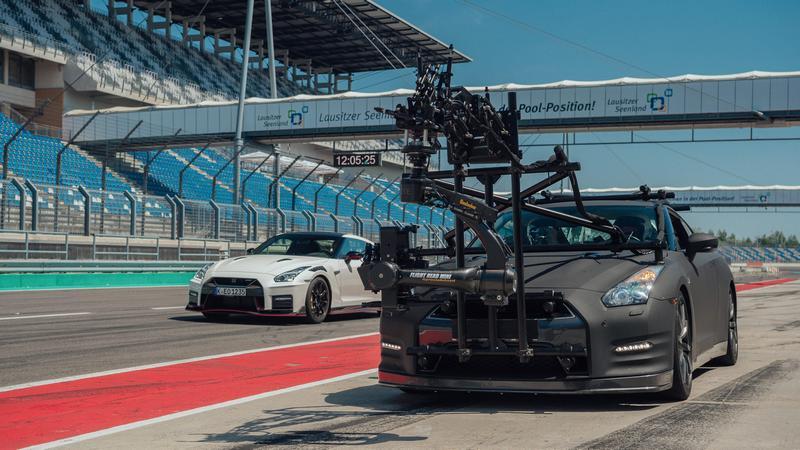 只有GT-R有能力跟上GT-R Nismo速度進行拍攝。