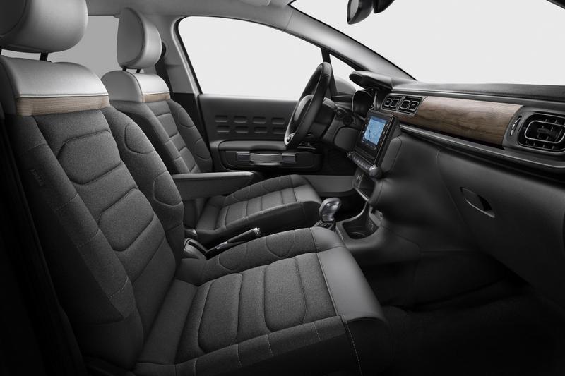 座椅泡棉增厚至15mm,並增加木直飾板。