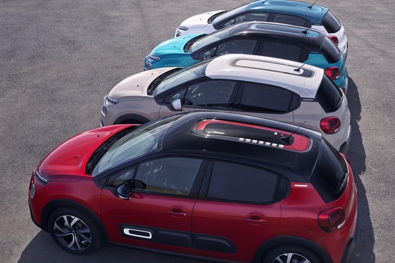 小改C3車頂新燈彩繪貼紙,搭配車色與內裝能創造出97種配色組合。