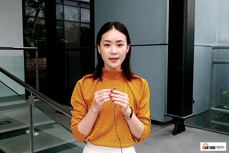 鍾瑶親錄影片,邀約車勢文化的朋友收看《跟鯊魚接吻》。