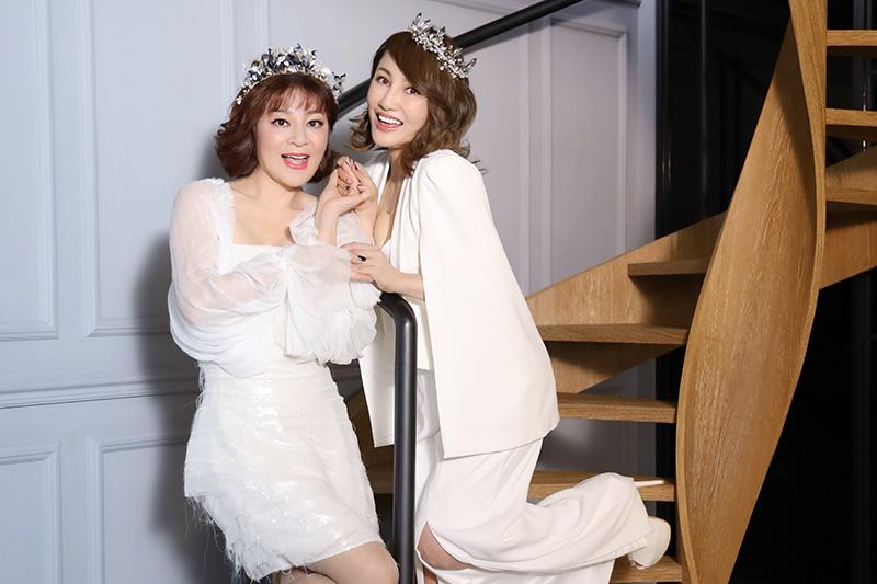 王宥忻(右)此次出專輯,特地情商王彩樺跨刀拍MV。/發了瘋了娛樂提供