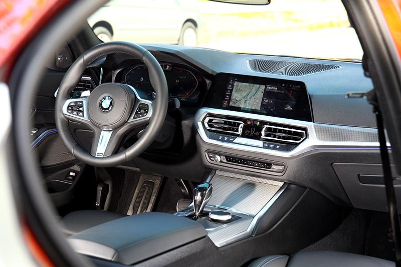 新世代3系列座艙質感與設計完全符合豪華品牌應有的水準。