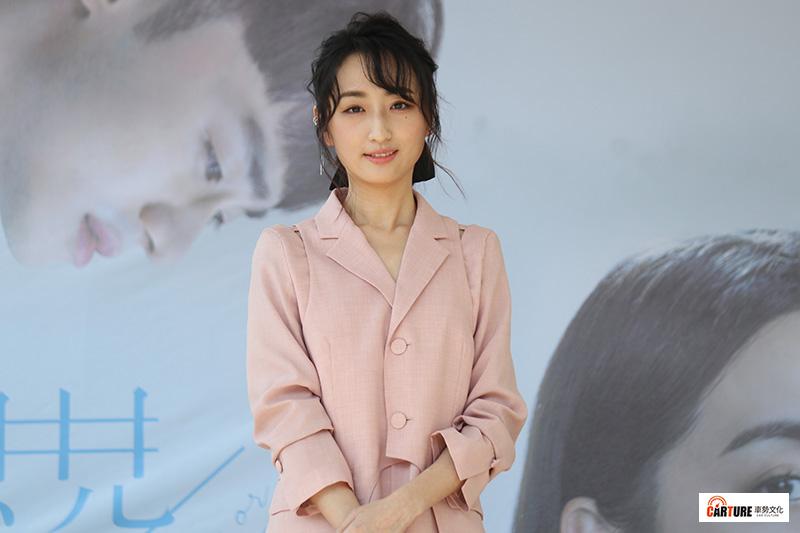 電影《你的情歌》女主角柯佳嬿主演的人氣夯劇〈想見你〉分飾多角。/本站資料照片