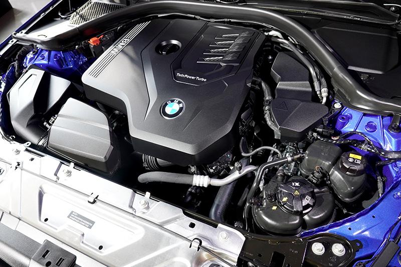 2.0升TwinPower Turbo直列4缸汽油引擎在330i Touring M Sport上可繳出400Nm的最大扭力以及250ps的最大馬力。