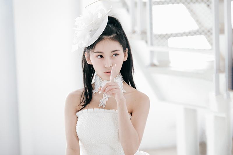 祈錦鈅白紗服造型推出蛻變單曲《I DO》