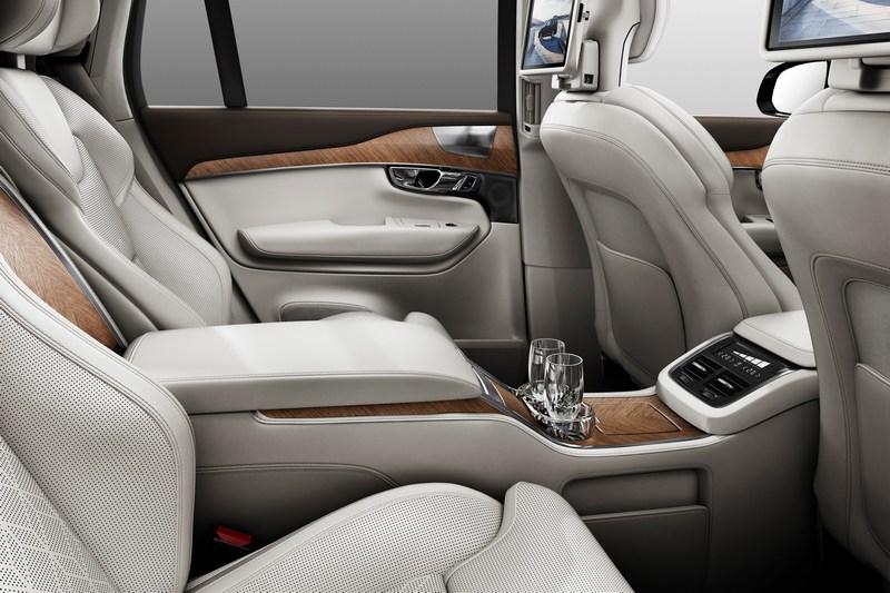 Volvo有意推出更豪華的大型LSUV,而日前有消息其車名就是XC100,並且提供六人座車型。