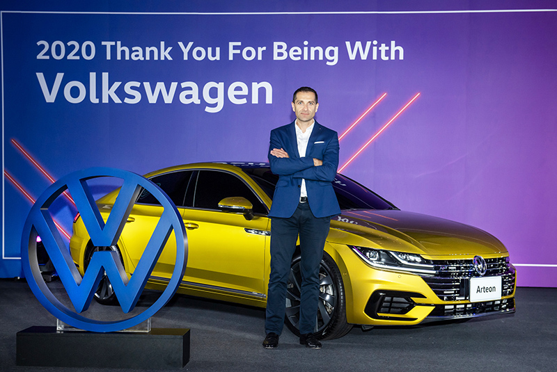 在訪談中福斯總裁Sacha提到T-Roc與電動車計畫。