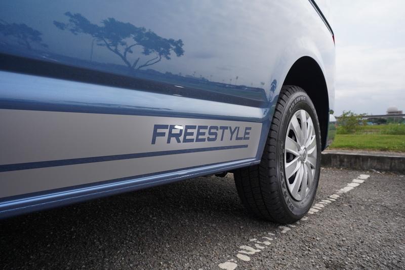 外觀最顯眼處莫過於車側有著Freestyle的專屬飾貼