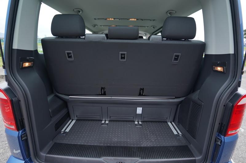 可滑移的第三排座椅在後廂空間的調配上相當實用