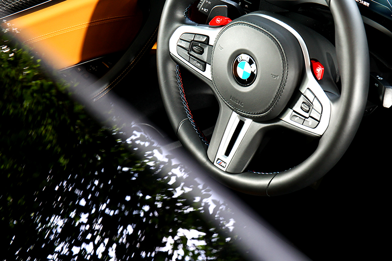 M1/M2鍵是用來自定義,也是M車型方向盤最重要的控制鍵。