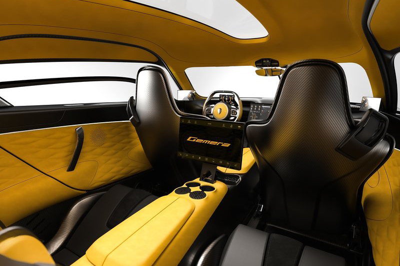 不僅擁有神級性能,Koenigsegg Gemera還具備3000mm軸距,足供四名乘員舒適入座。