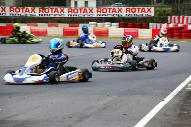 AM組的鄭孝胥〈143號車〉,自第12位起跑,最後決賽以總成績第四完賽,也獲得AM組冠軍。