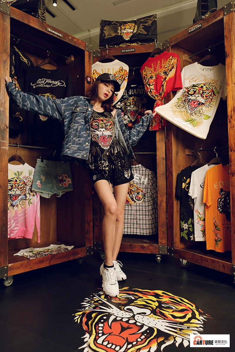 Keanna全身穿搭也將充滿藝術張力的品牌精神詮釋地淋漓盡致,更加襯托了其溫柔而堅定的個性。/VIP Studio提供