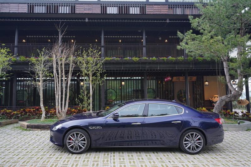 倘若你是位品味獨具不想隨波逐流的鑑賞家,義式風格濃烈的Quattroporte絕對值得你一試!