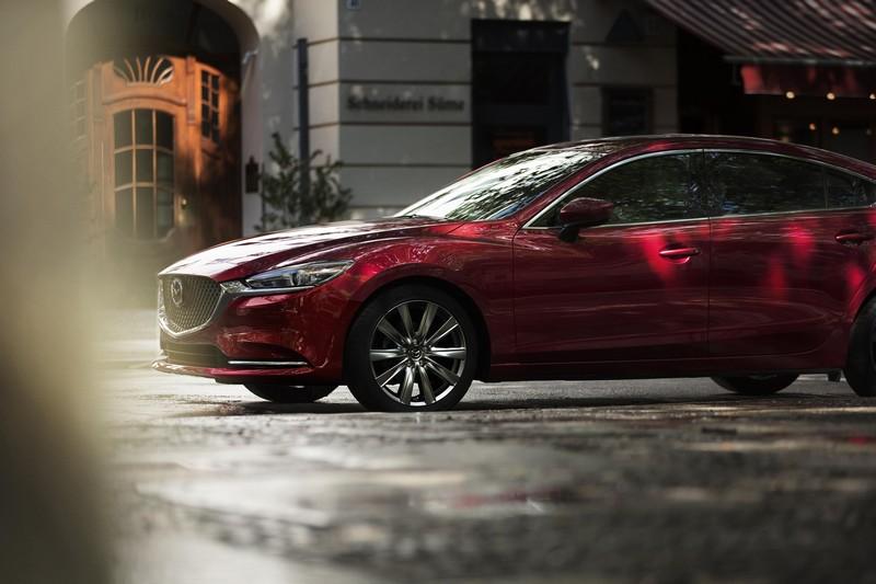 直六引擎、後輪驅動、八速自排都會搭載至2022年登場的Mazda 6。