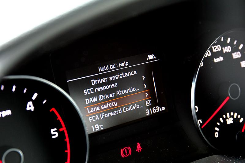 此次小改配置幾近Level 2半自動駕駛水準的Drive Wise智慧安全輔助系統。