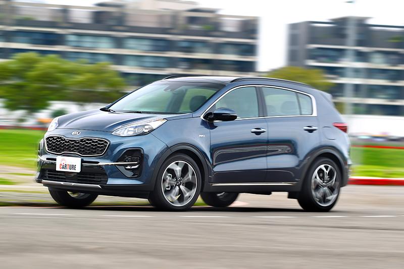 Sportage輕快的反應全來自於柴油引擎與變速系統。