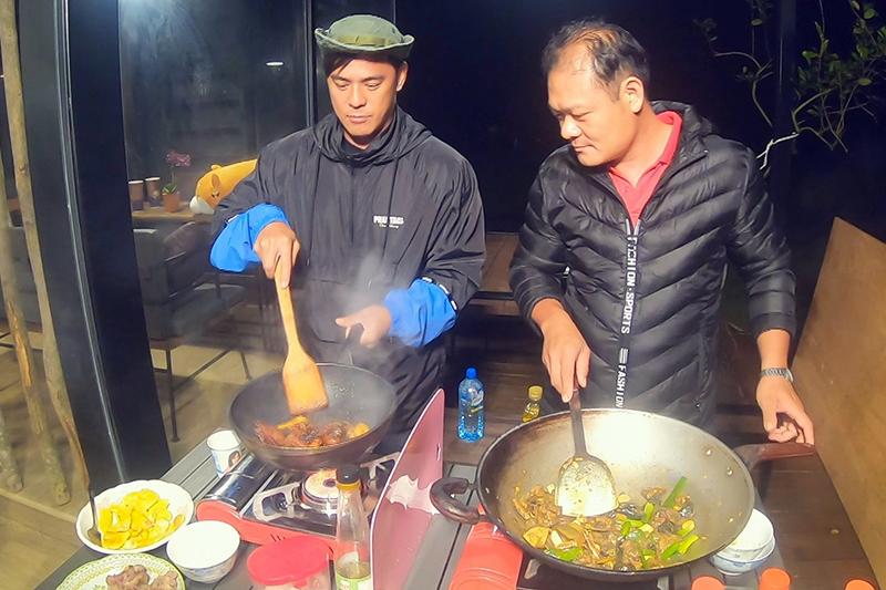 竇智孔過去曾在戲劇中飾演廚師,私下的他對料理也很有一套。