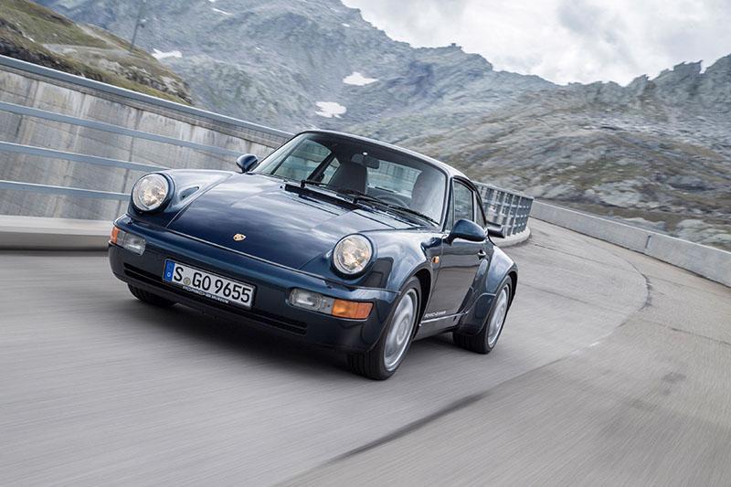 電影《絕地戰警》(Bad Boys)中的保時捷911 Turbo(Type 964)。