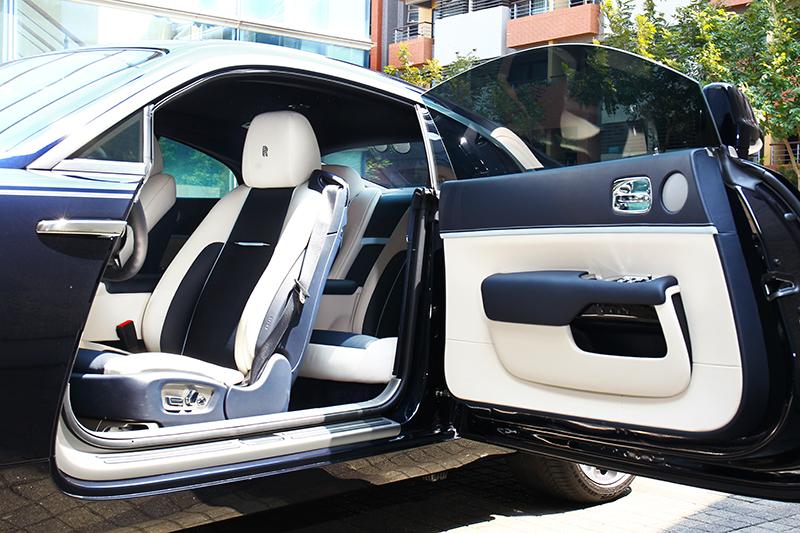 前開馬車式車門是Rolls-Royce獨特設計。
