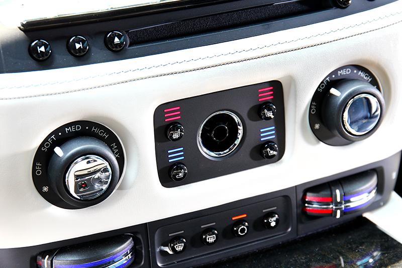 空調設計也與一般車不同,風量是以Soft、Med、High文字呈現。
