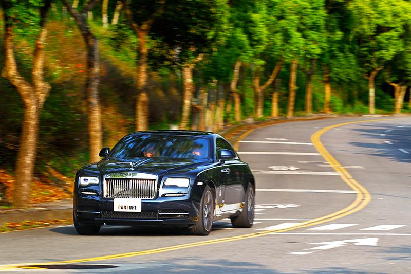 Wraith擁有GT跑車身手,但也具備遠高於大型豪華房車舒適度。