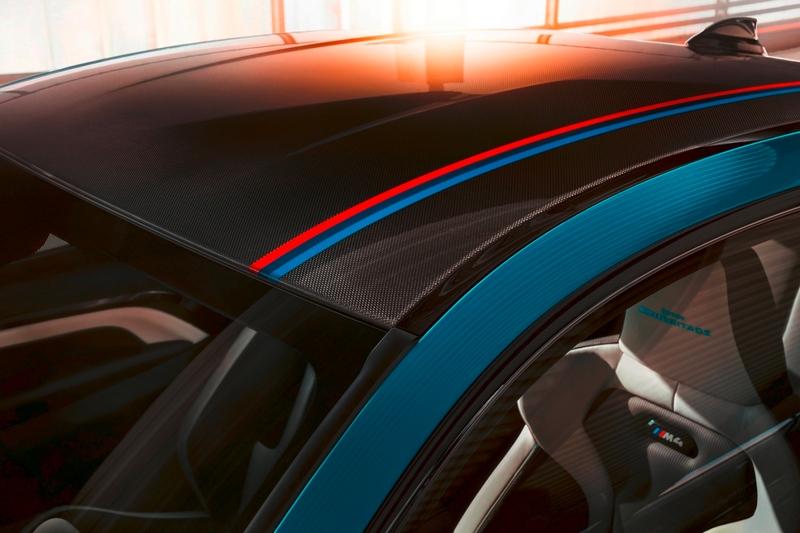 碳纖維車頂增添M三色飾條,展現BMW M車主的專屬榮耀。